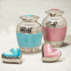 Hugs & Kisses Cremation Urn