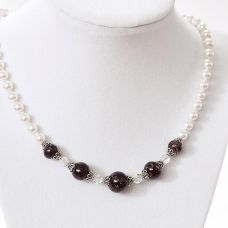 Timeless Pearl Necklace with Crystals